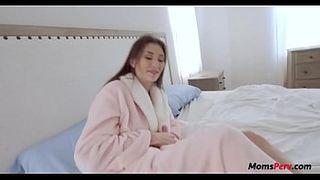 Смотрит Видео Порно Мать И Сын Скачать